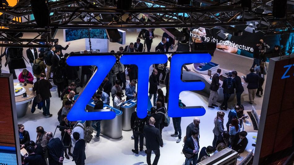 قصة الحظر الأمريكي لشركة ZTE الصينية وكيف تم تسوية مشكلتها