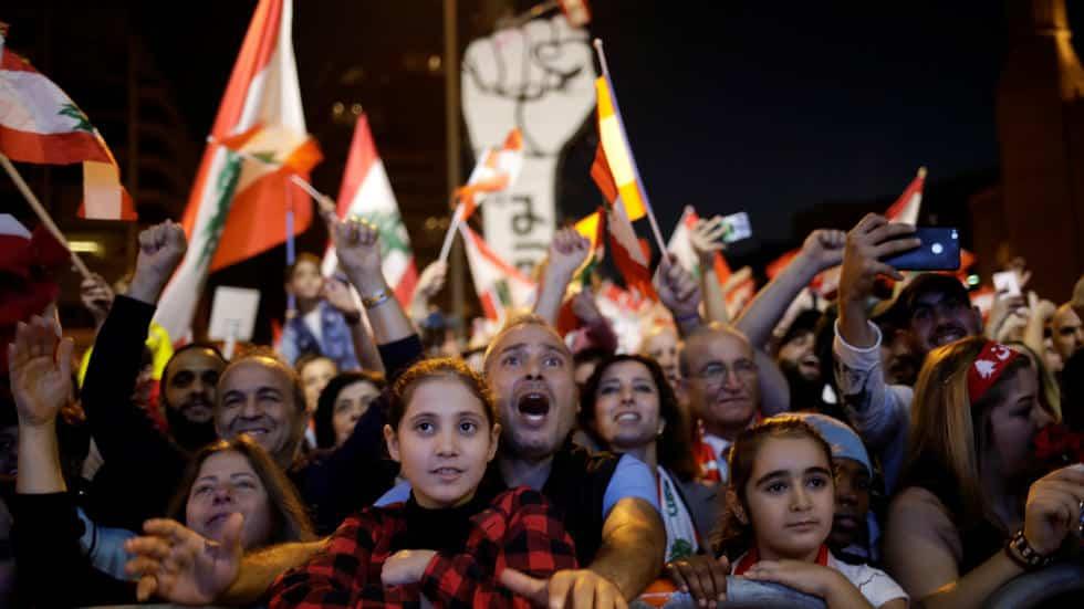 كيف يواجه الشعب اللبناني خطر الأزمة المالية المدمرة؟