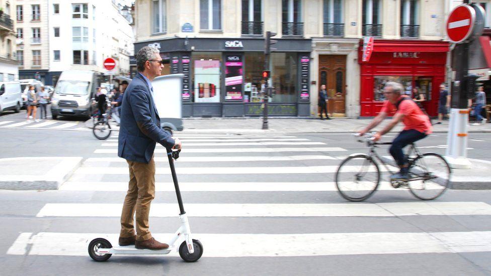 افلاس شركة Unicorn لدراجات E-scooter بسبب إعلانات فيس بوك