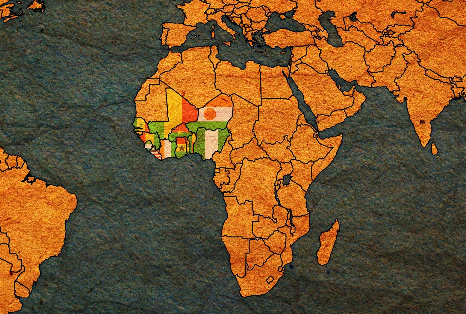 حقائق عن الفرنك الإفريقي وخدعة فرنسا لمنع التخلي عنه