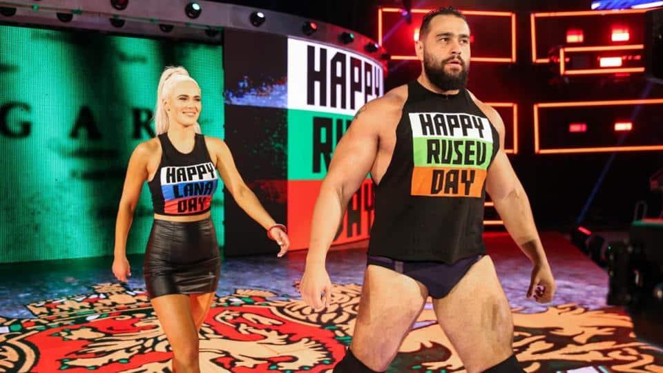 أزمة شركة دبليو دبليو إي WWE واستحواذ أمازون أو آبل عليها