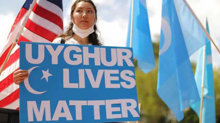 آبل ونايكي وكوكاكولا مع قمع المسلمين الإيغور في الصين؟