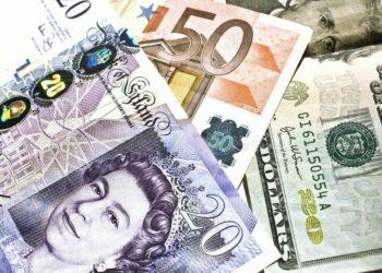 تراجع خسائر الدولار الأمريكي في 2021 بسبب هشاشة اليورو ومكاسب الجنيه الإسترليني ليست مستدامة