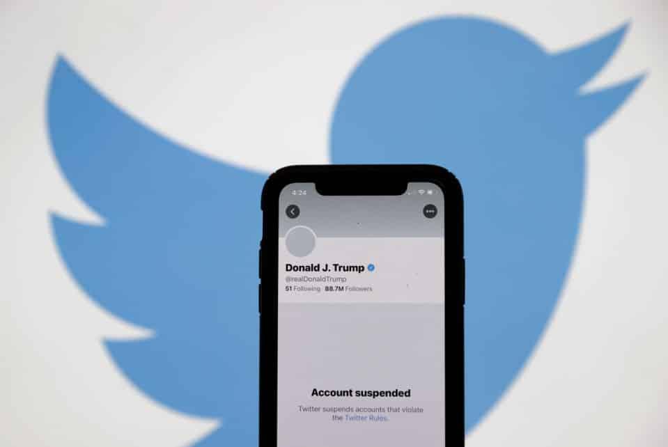 تويتر يحذف حساب دونالد ترامب بشكل نهائي