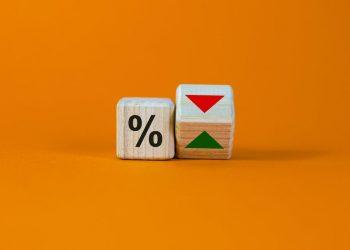 ما هي أسعار الفائدة السلبية وكيف تعمل؟