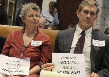 هل الغاز الطبيعي طاقة متجددة نظيفة؟ هل هو صديق للبيئة؟