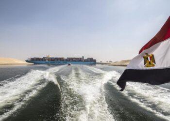 تداعيات جنوح سفينة قناة السويس على التجارة العالمية