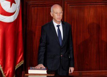 انقلاب تونس 2021 ضروري لإيقاف الإنهيار الإقتصادي