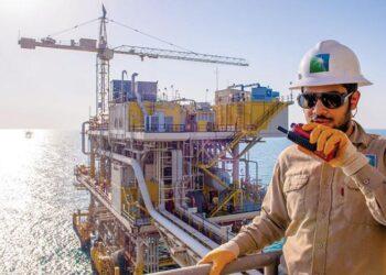 كيف تستغل أرامكو ومنافساتها ارتفاع أسعار النفط قبل الإنهيار؟