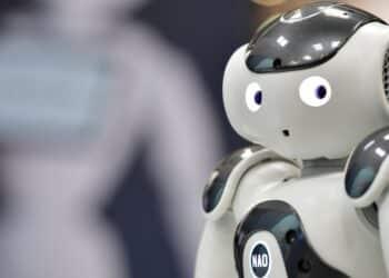 علاقة حميمية مع روبوت هي السائدة في عام 2050